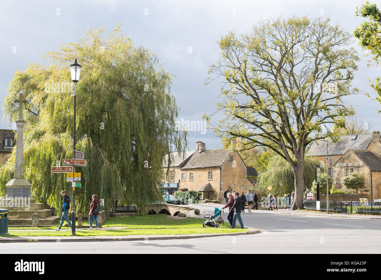 Bourton on the Water - a busy and popular Cotswold village in Gloucestershire, England, UK - Stock Image