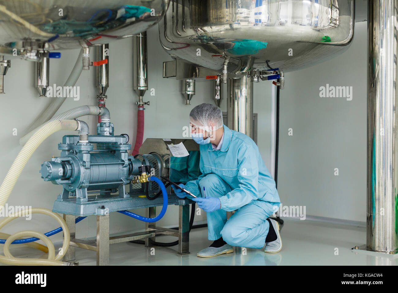 High Pressure Tank Stock Photos & High Pressure Tank Stock Images ...