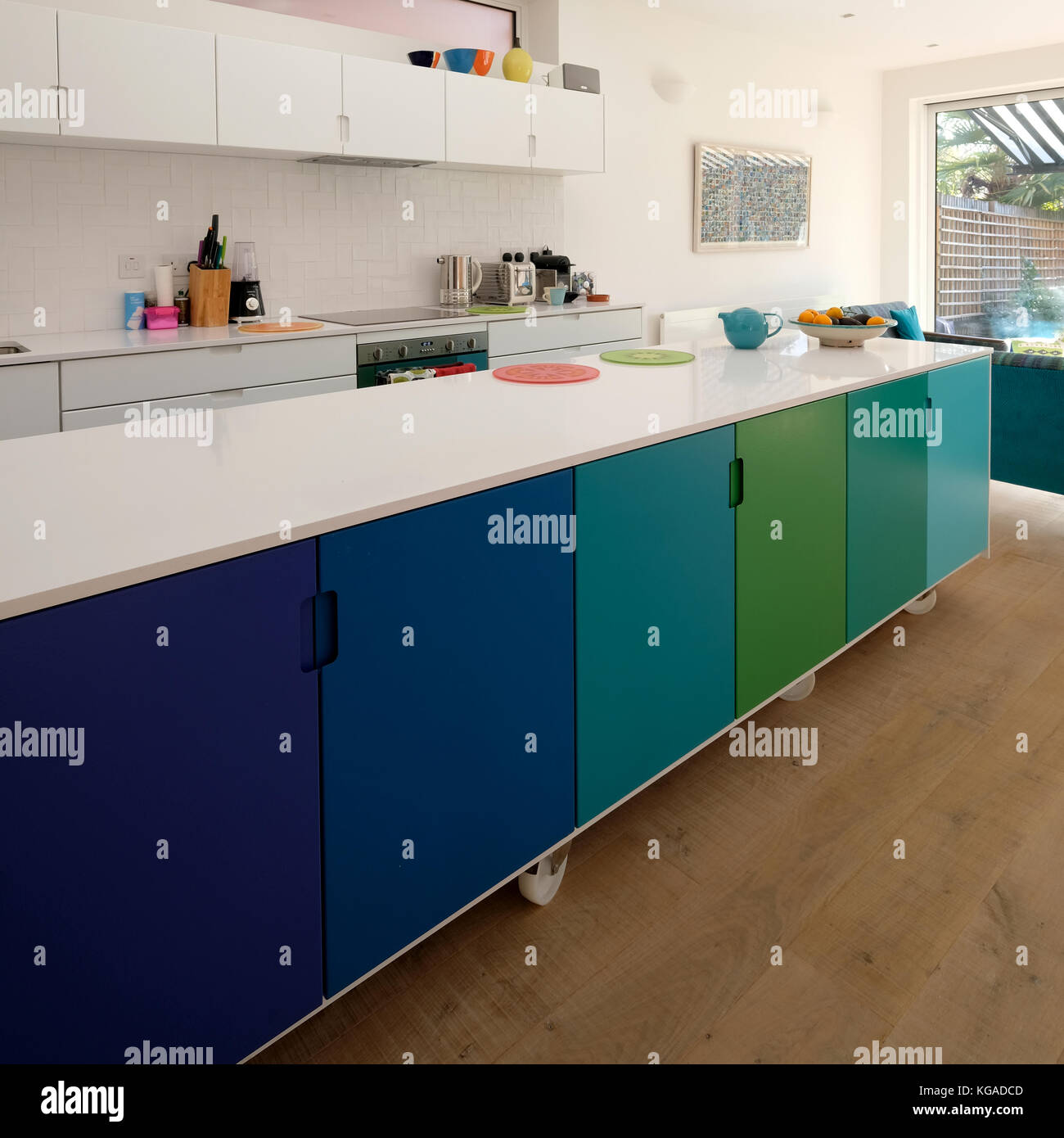Movable Kitchen Island On Castor Wheels Retro Design