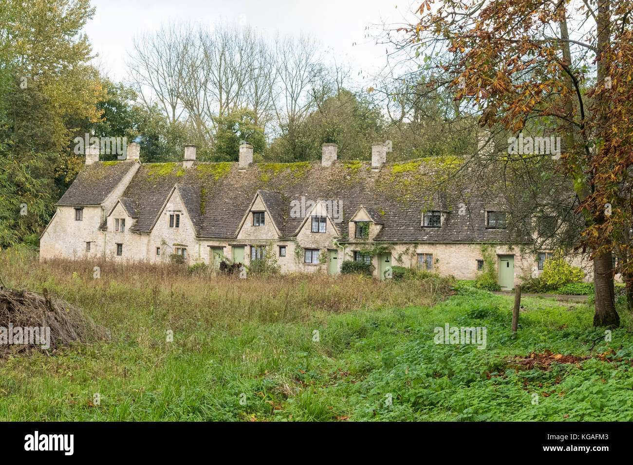 Arlington Row Bibury - row of Cotswold cottages - England, UK - Stock Image
