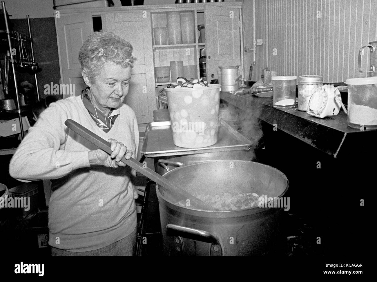 Ruth Brinker, cooking for Project Open Hand, SaN Francisco, CA - Stock Image