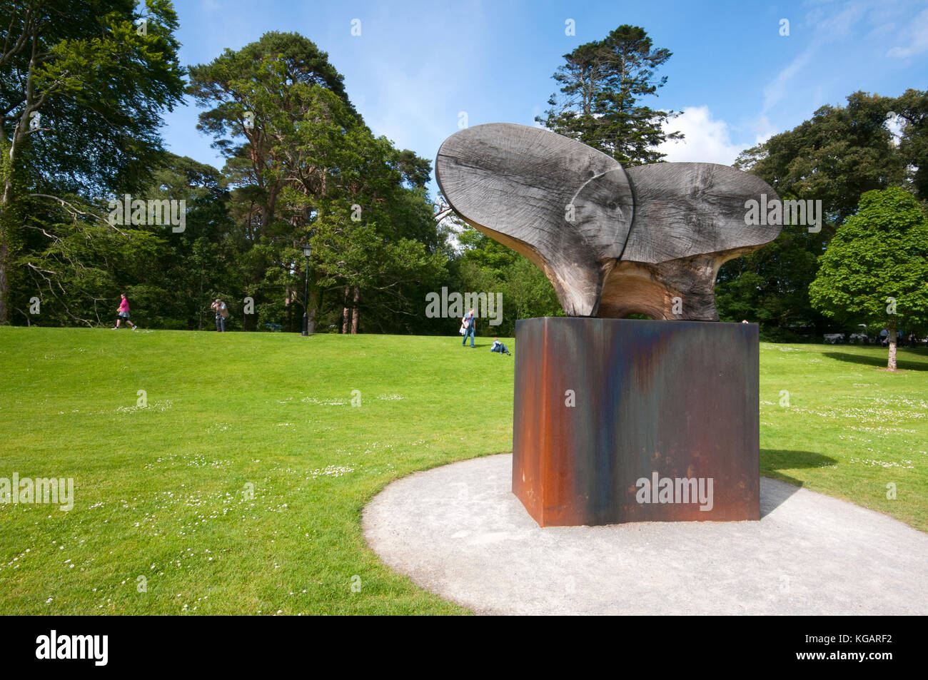 A.W.B. (Billy) Vincent Memorial by the german sculptor Rolf Hook, Muckross House and Gardens, Killarney National - Stock Image