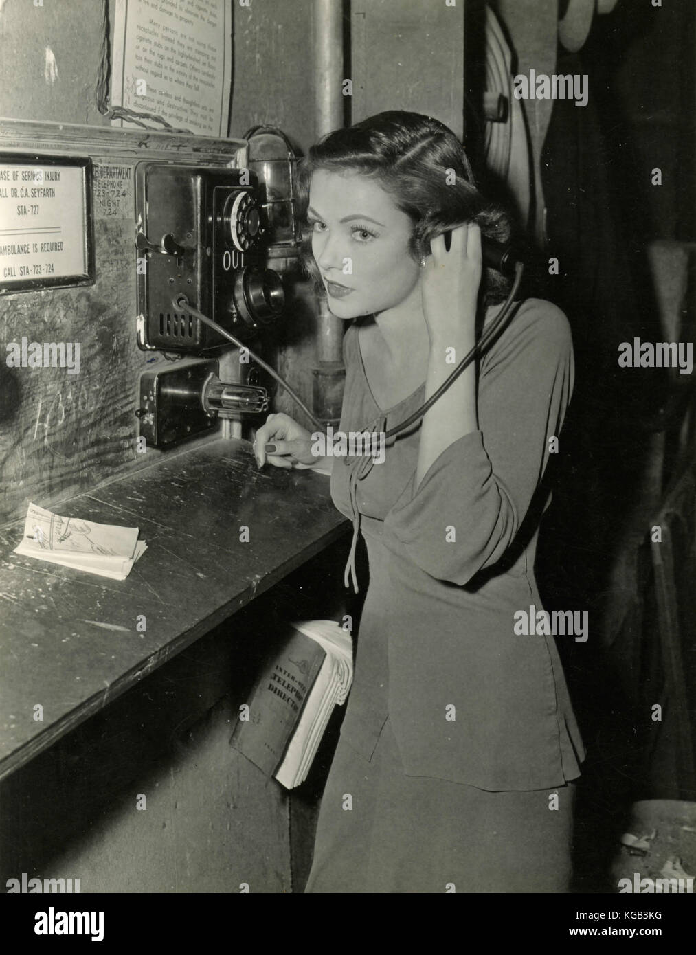 American actress Gene Tierney speaks at the telephone - Stock Image