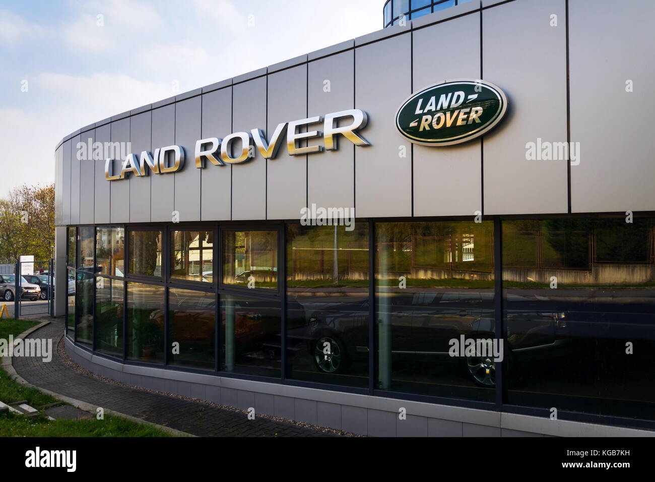 dealers land schedule evoque maintenance service ny car banner freeport copy range rover landrover