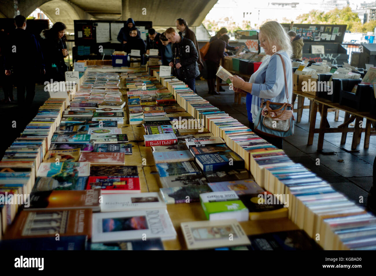 London, England,UK. Secondhand books stalls on the Southbank benearth Waterloo Bridge. 4 Novemember 2017 - Stock Image