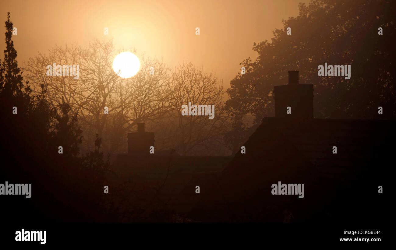 Ashbourne, Derbyshire. 6th Nov, 2017. UK Weather: misty frosty sunrise over Ashbourne Derbyshire, the gateway to the Peak District National Park, England UK Credit: Doug Blane/Alamy Live News Stock Photo