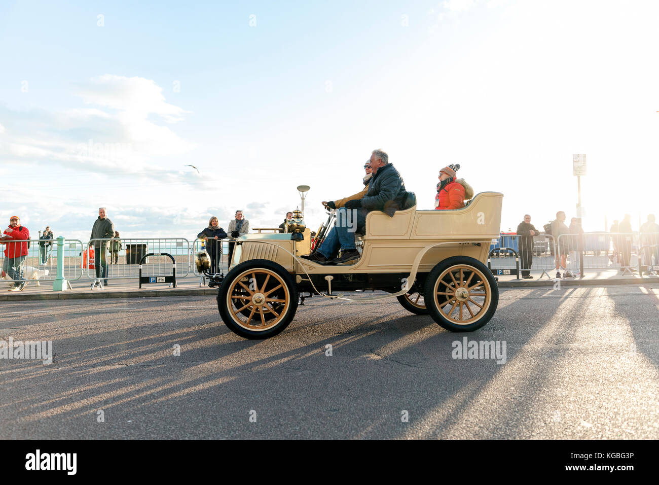 Bonhams London To Brighton Veteran Car Run 2017 Stock Photos ...