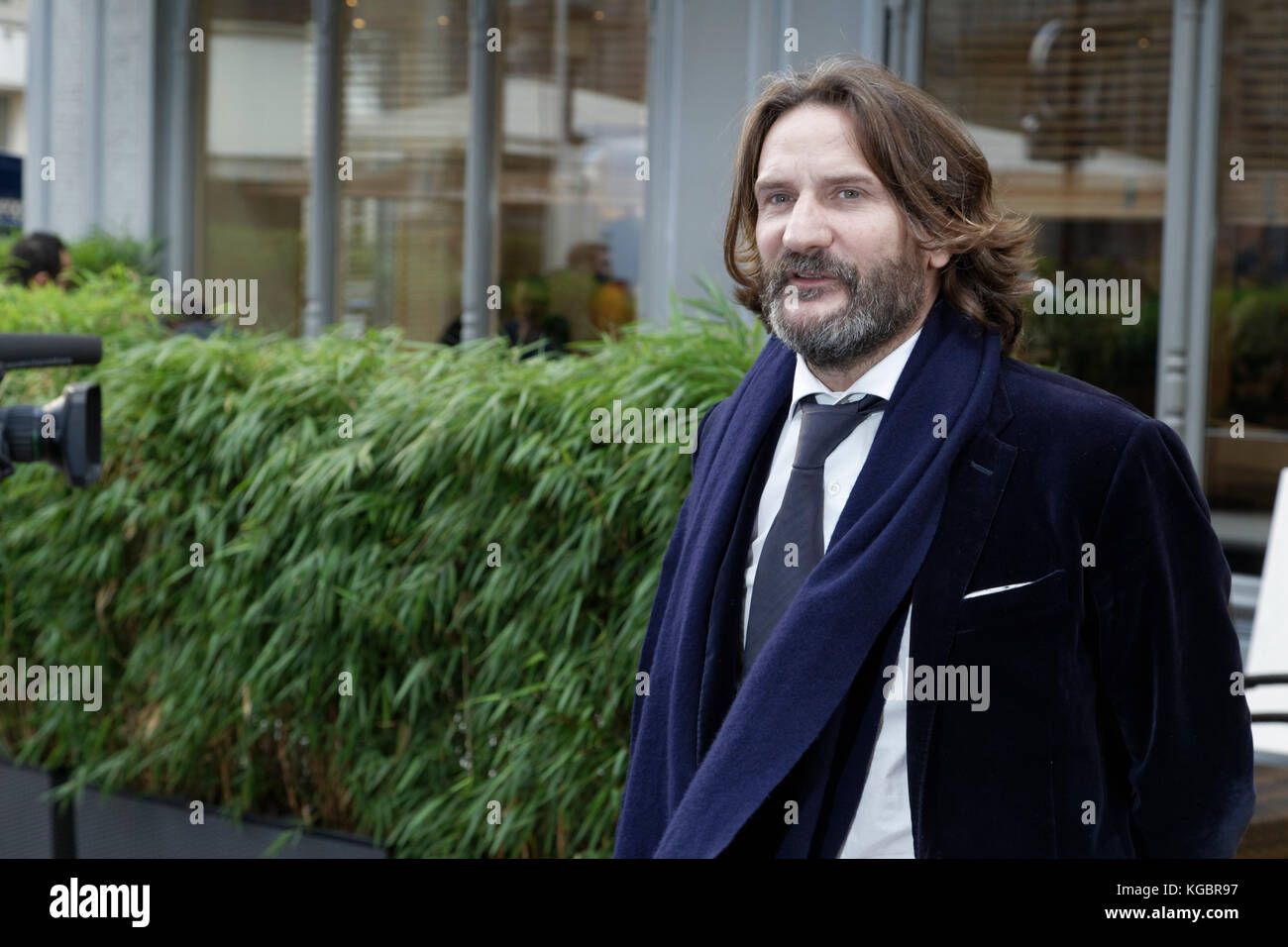 Paris, France. 6th Nov, 2017. Frédéric Beigbeder attends the Prix Goncourt at the Drouan restaurant on - Stock Image