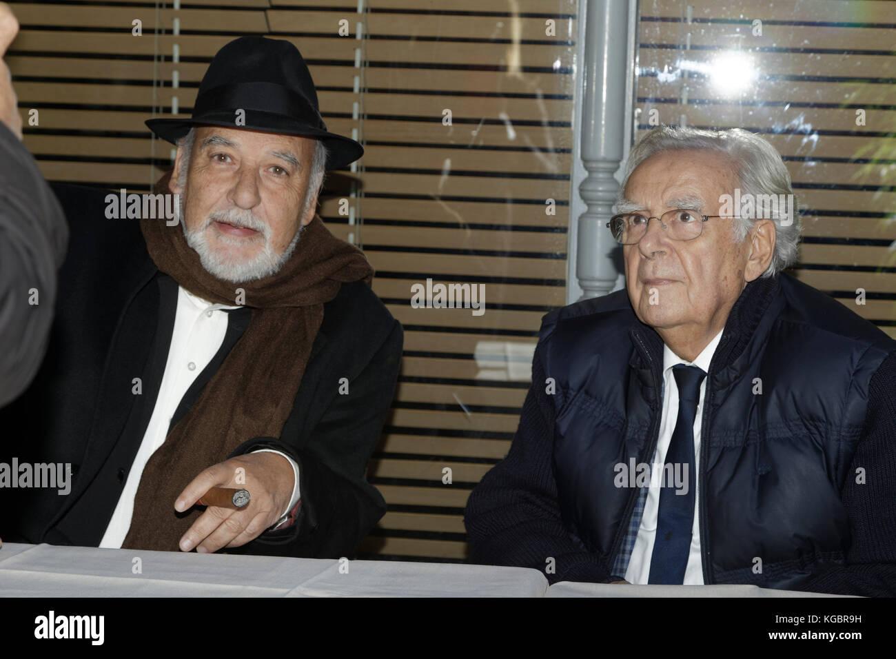 Paris, France. 6th Nov, 2017. Tahar Ben Jelloun and Bernard Pivot attend the Prix Goncourt at the Drouan restaurant - Stock Image
