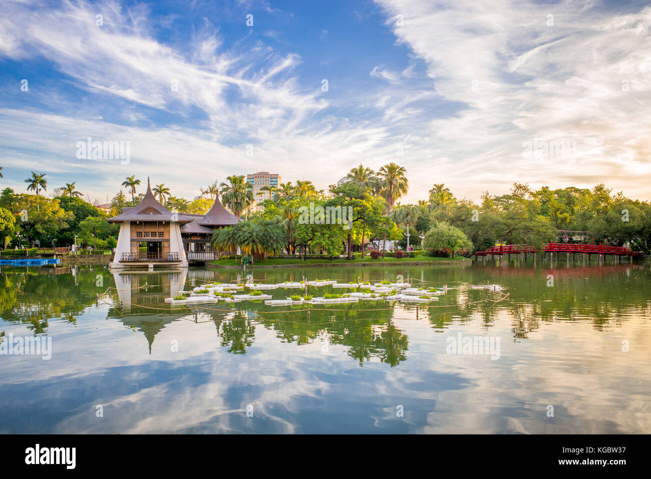 Taichung Park Pavilion in the lake - Stock Image