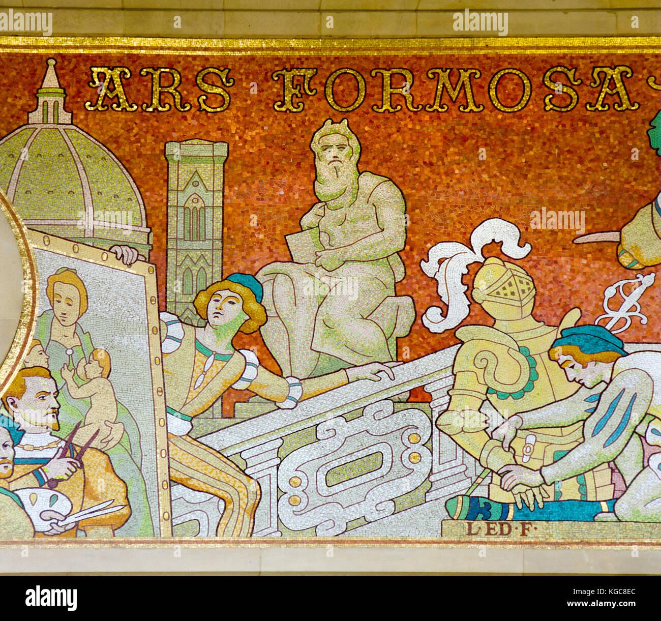 Paris, France. Grand Palais (..des Champs-Élysées): mosaic frieze on the facade (based on drawings by Louis Édouard Stock Photo
