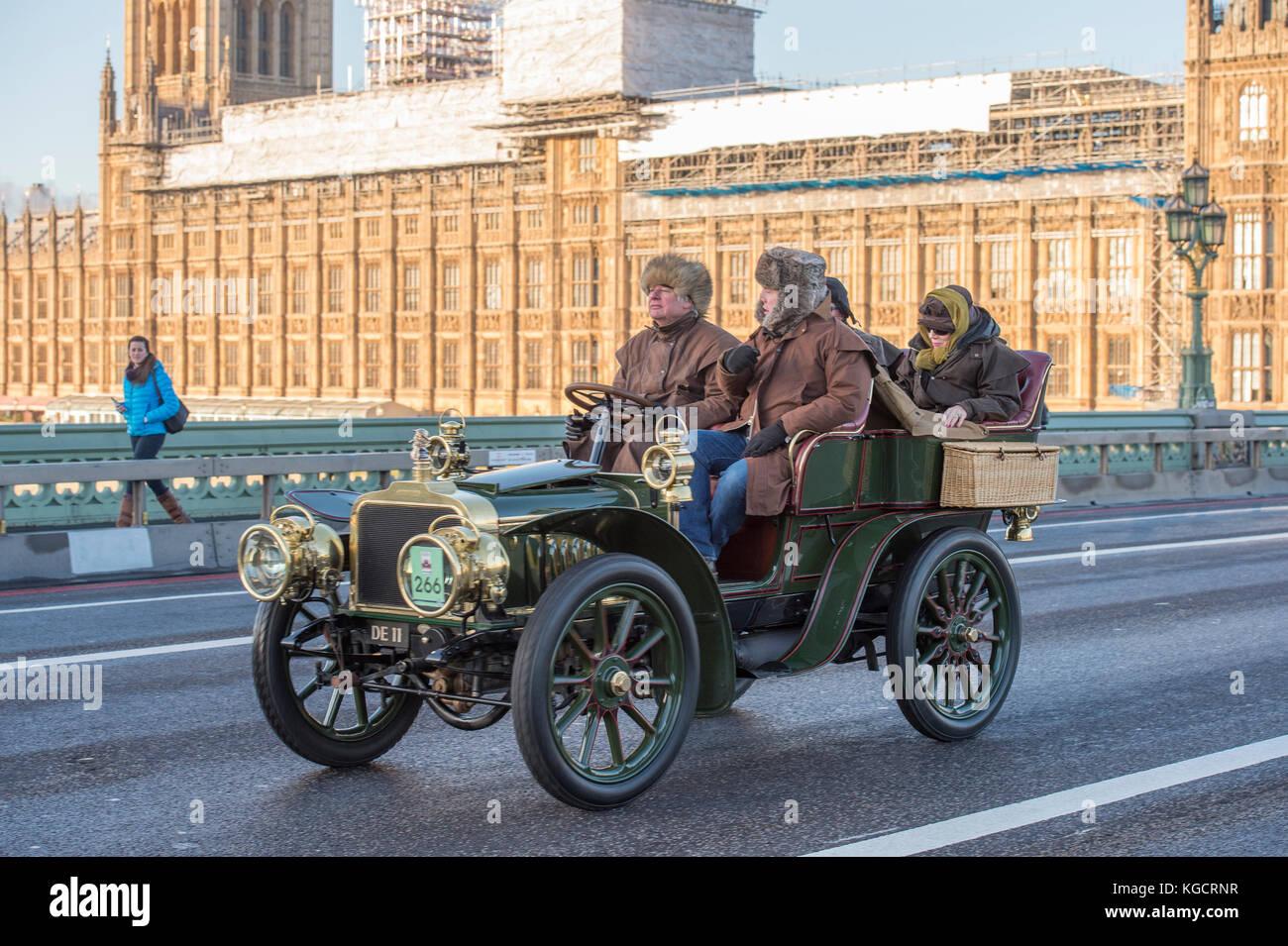 5 November, 2017. Bonhams London to Brighton veteran car run, the ...