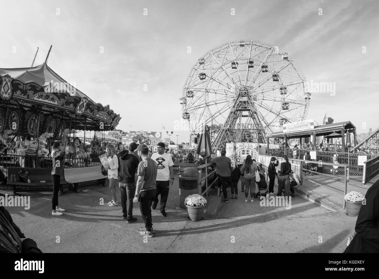 Wonder wheel, Ferris wheel, Coney Island, Brooklyn, New York. United States of America. U.S.A - Stock Image
