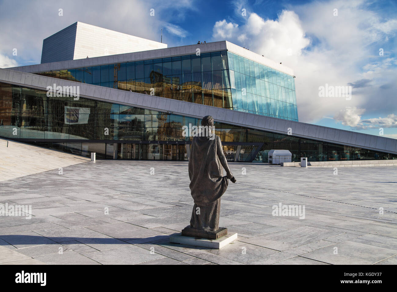Building of the Norwegian National Opera and Ballet in Oslo, Norway, with the monument to the opera singer Kirsten - Stock Image