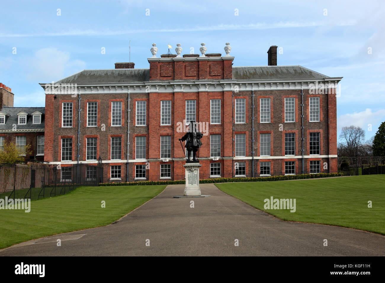 Kensington Palace, royal residence set in Kensington Gardens, Hyde Park, in the Royal Borough of Kensington and Stock Photo
