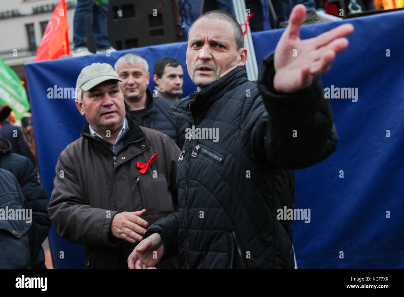 Moscow, Russia. 7th Nov, 2017. Left Front coordinator Sergei Udaltsov (R) seen as the Russian Communist Party rallies Stock Photo