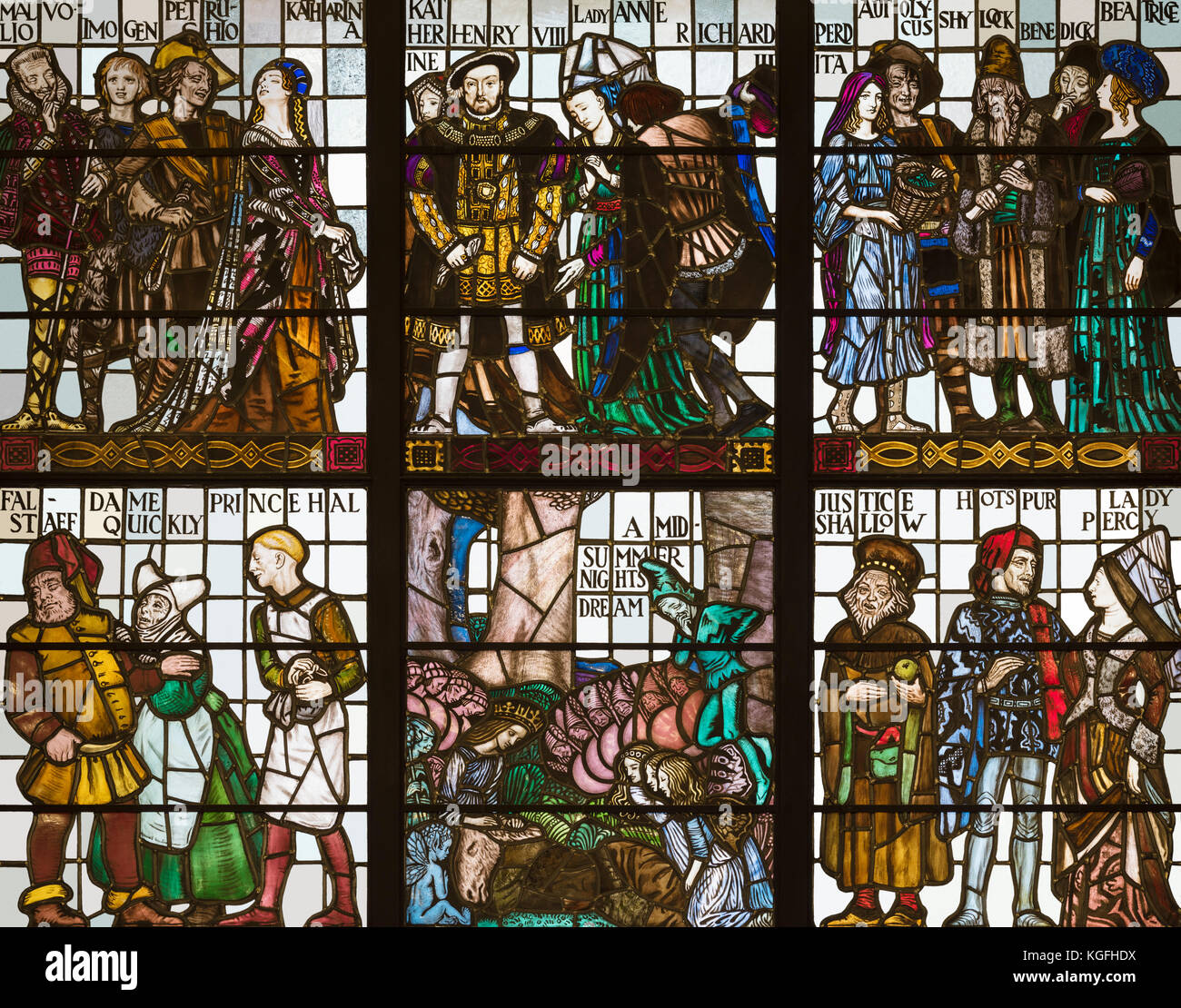 Shakespearean characters above the main entrance hall to The Central Library, Manchester, UK - Stock Image