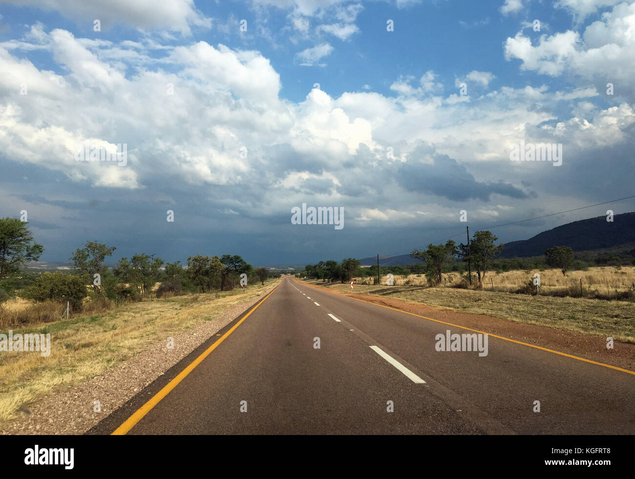 A Southe african road in the Waterberg - Stock Image