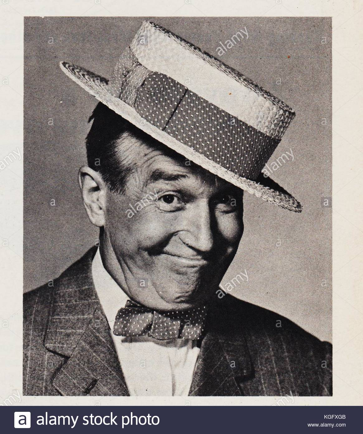 1967 1972 Stock Photos Images Alamy 1965 1966 Vw Beetle 1300 Wiring Diagram Us Version Maurice Chevalier 1888 French Born British And American Film Actor