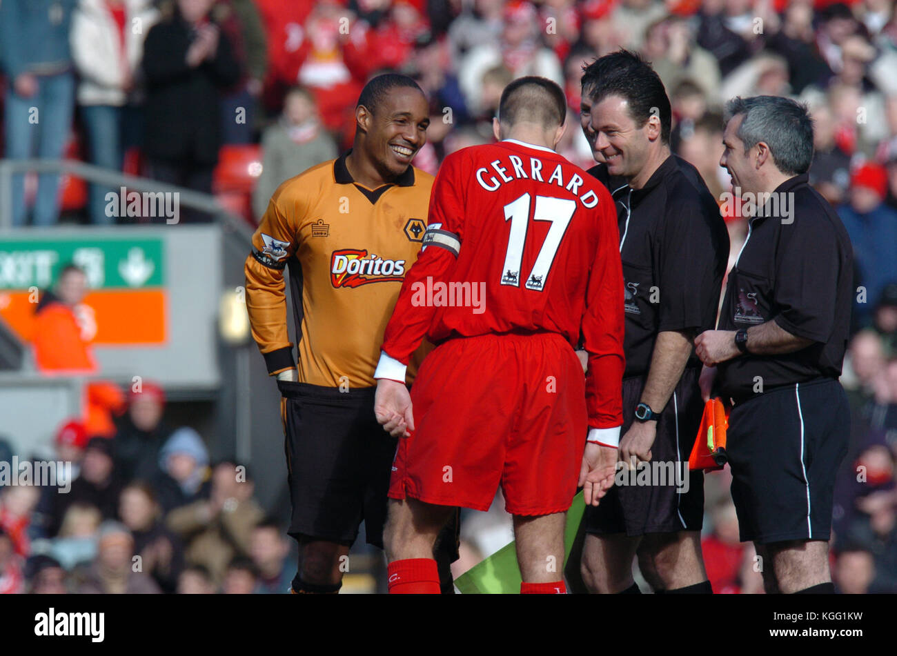 Footballer Paul Ince, Steven Gerrard and referee Rob Styles all smiles Liverpool v Wolverhampton Wanderers 20 March - Stock Image