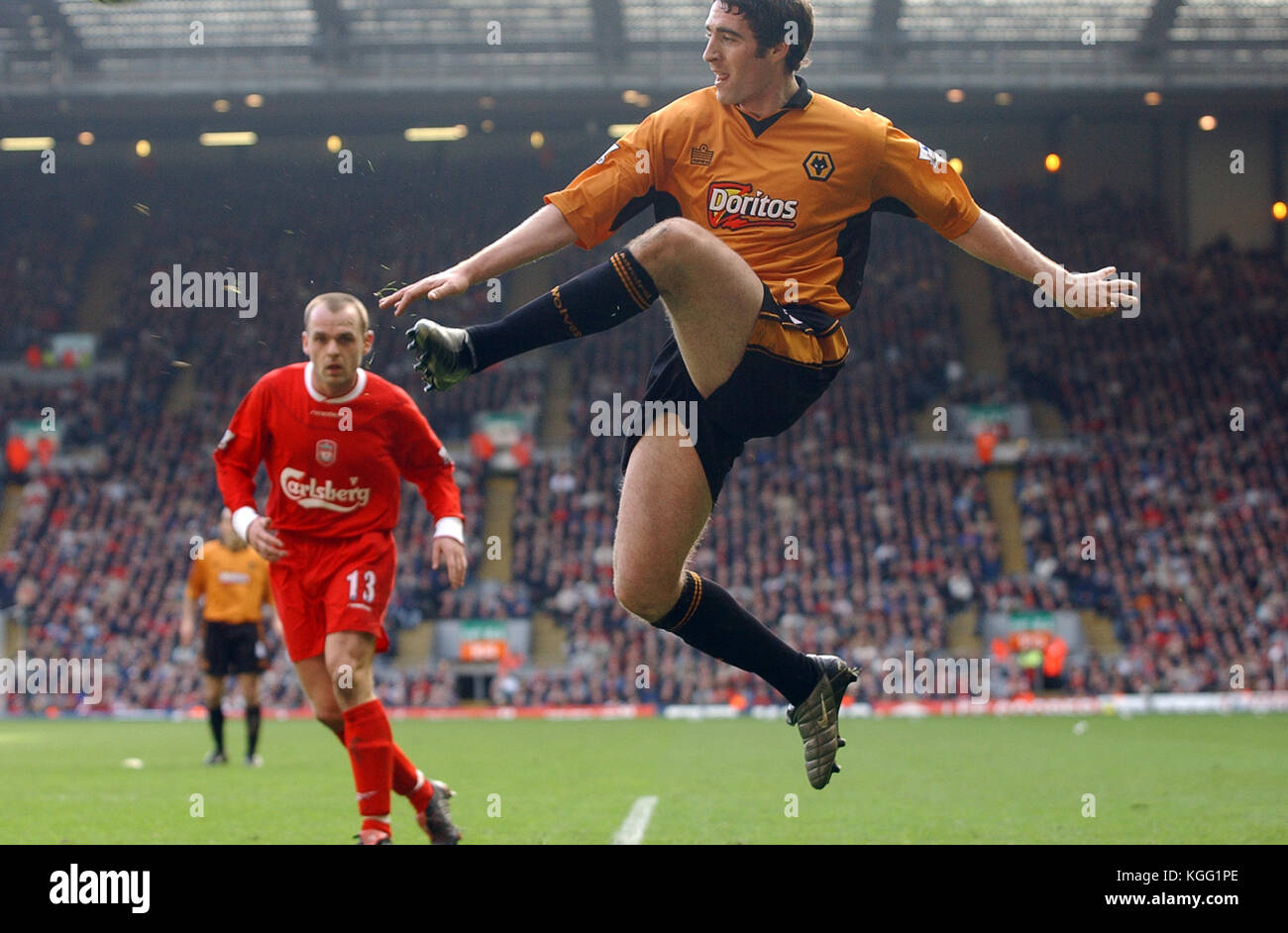 Footballer Mark Kennedy Liverpool v Wolverhampton Wanderers 20 March 2004 - Stock Image