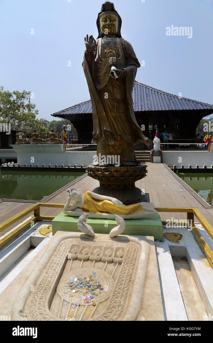 Seema Malaka Temple Colombo Sri Lanka Statue of Guanyin And Buddha's Footprint - Stock Image