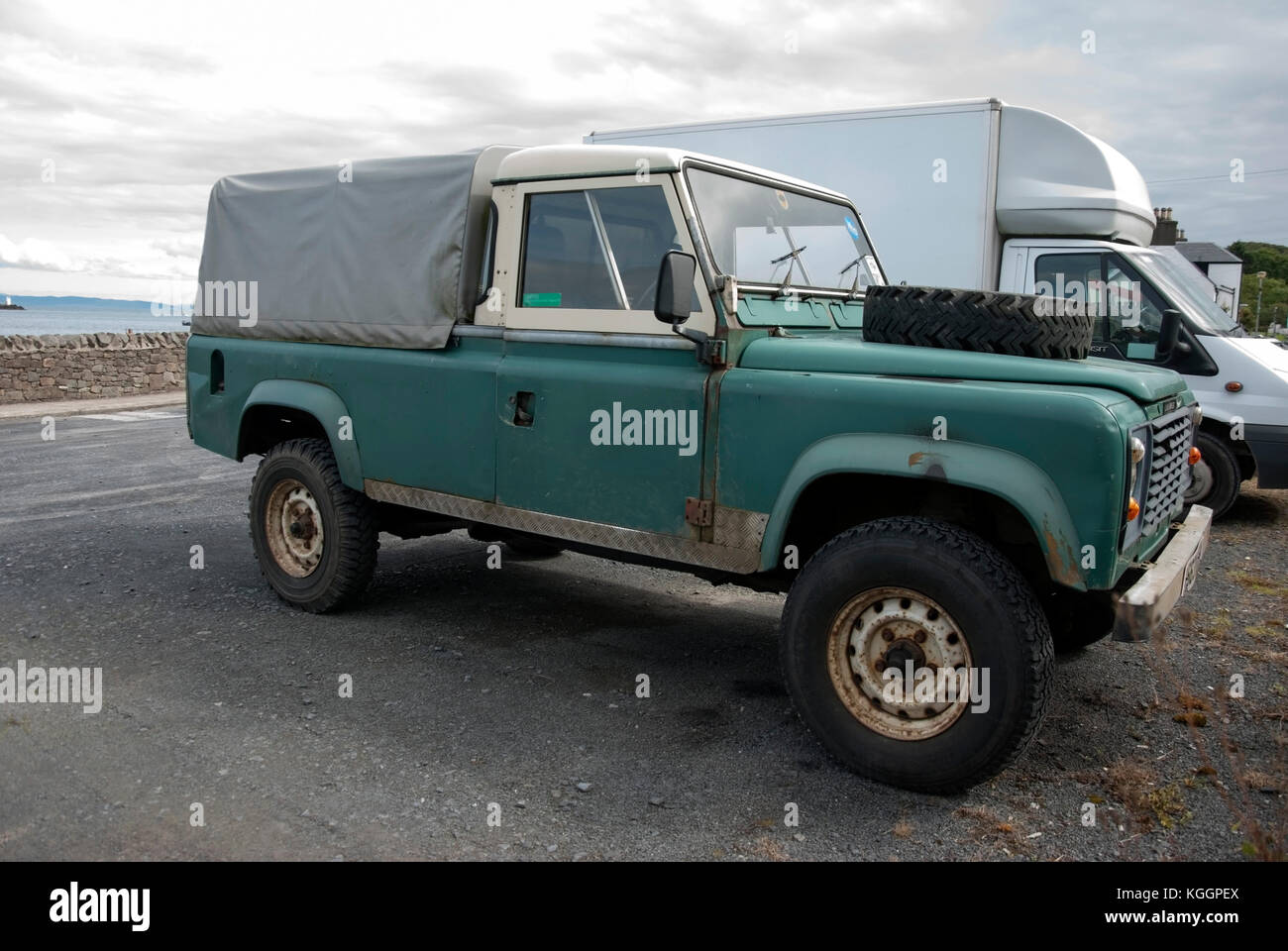 Land Rover Defender Usa >> Land Rover Defender 110 Stock Photos & Land Rover Defender 110 Stock Images - Alamy