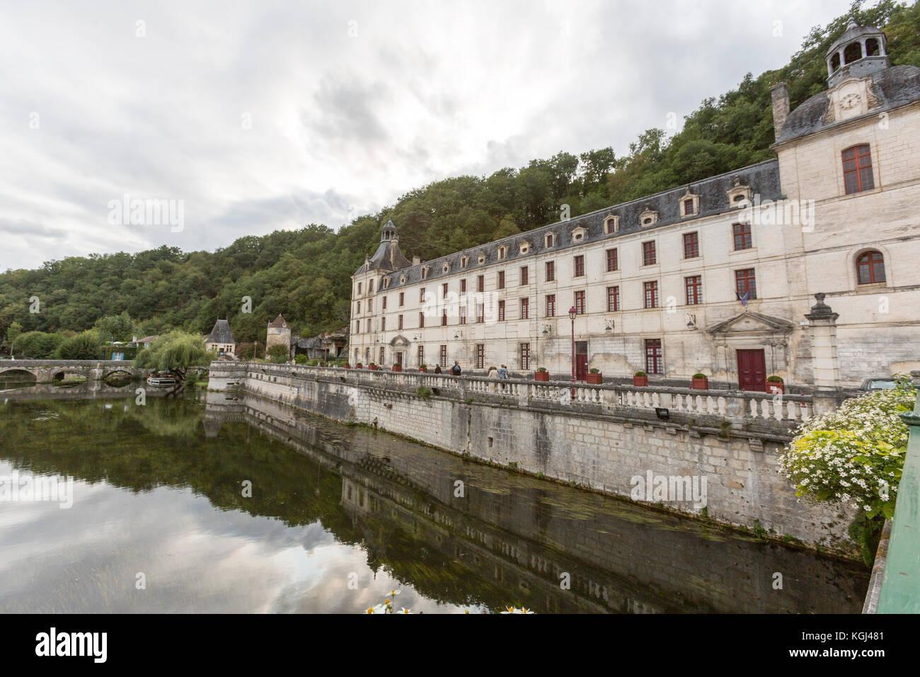 River Dronne and the Benedictine Abbey of Brantôme, Brantome, Dordogne - Stock Image