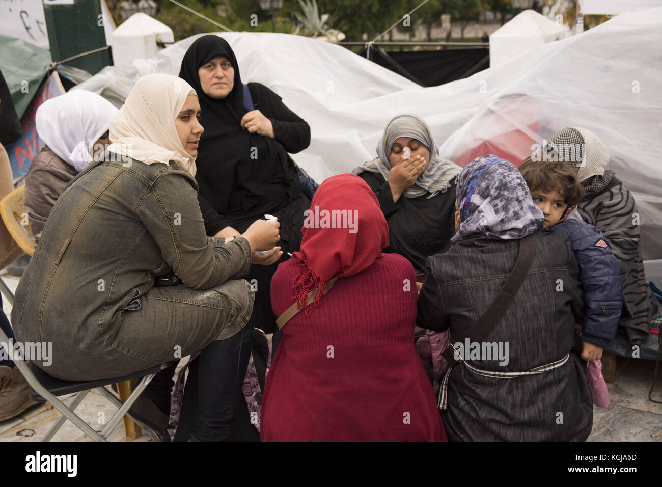 Athens, Greece. 8th Nov, 2017. Refugees continue their sit-in at Syntagma square on their 8th day of hunger strike, - Stock Image