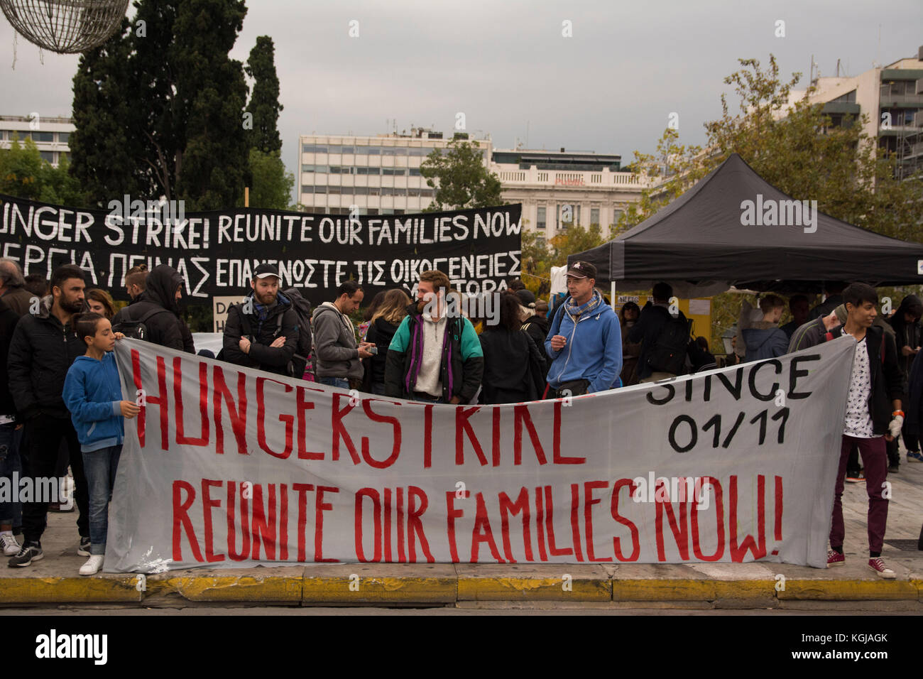 Athens, Greece. 08th Nov, 2017. Refugees continue their sit-in at Syntagma square on their 8th day of hunger strike, - Stock Image