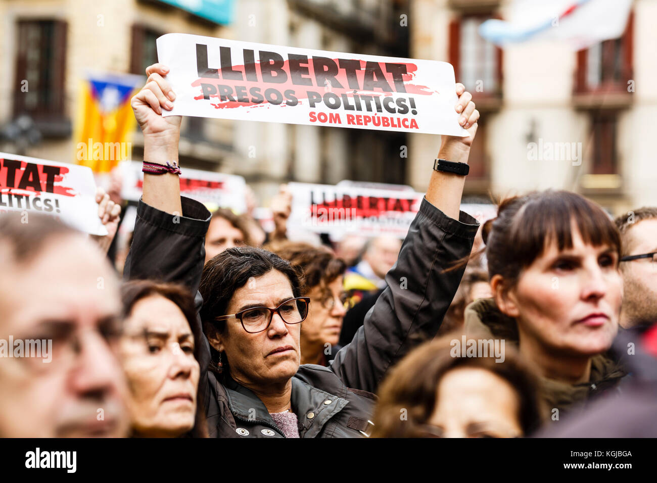 November 8, 2017 - Barcelona, Barcelona, Spain - Protesters calling for freedom for political prisoners during the Stock Photo
