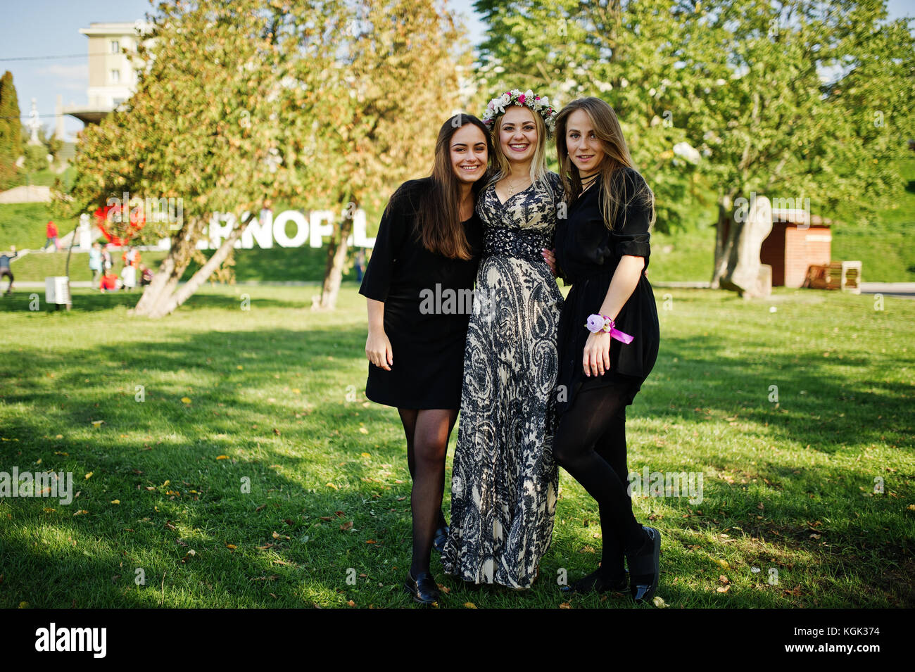 Three girls squirting