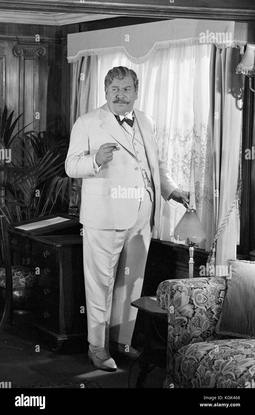 Death on the nile peter ustinov online dating. Death on the nile peter ustinov online dating.