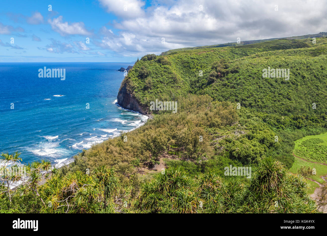 Sweeping view from trail into Pololu Valley on the Big Island of Hawaii Stock Photo