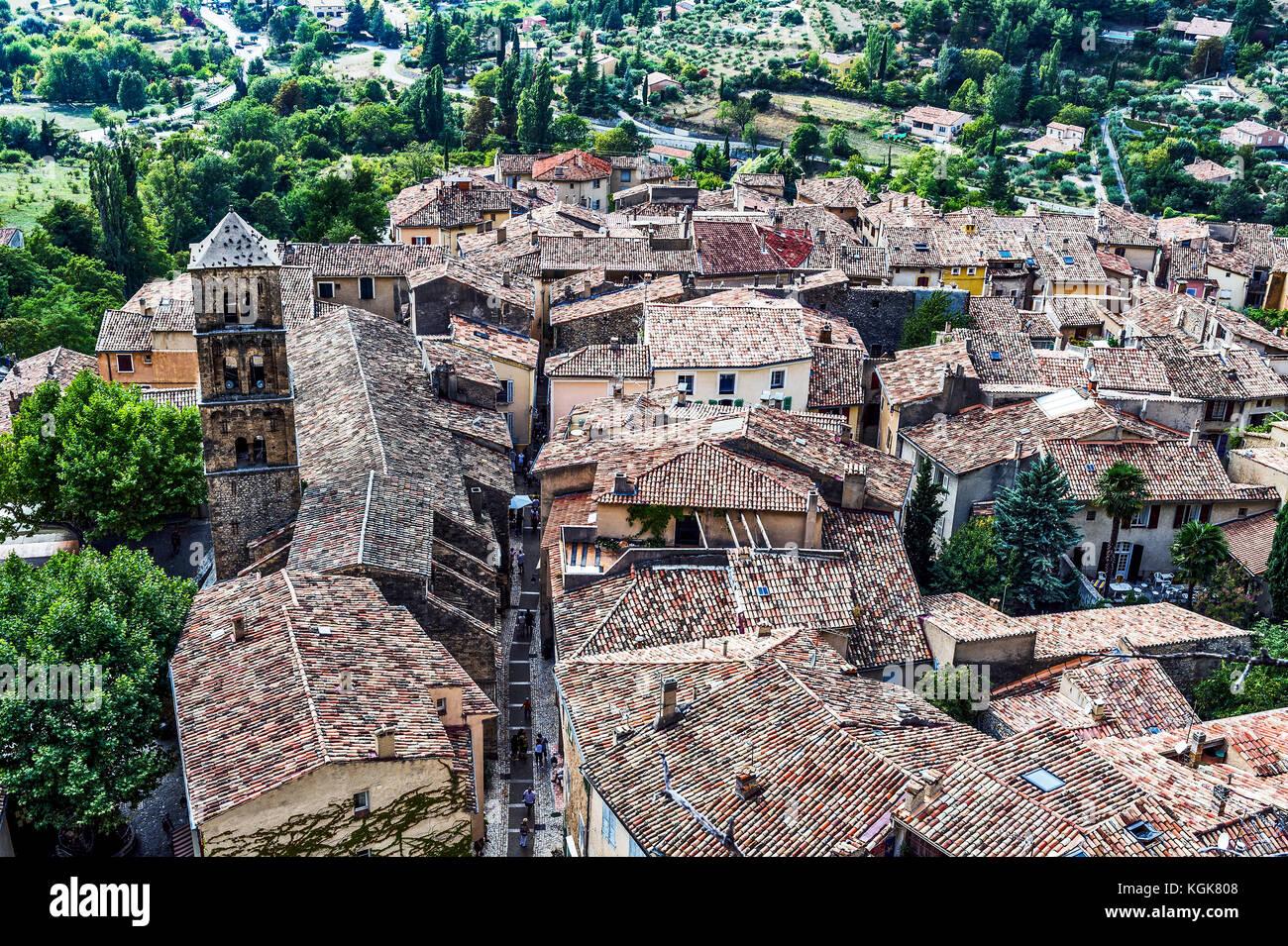 France. Alpes-de-Haute-Provence (04), Regional Natural Park of Verdon. Moustiers-Sainte-Marie, known for its earthenware, Stock Photo
