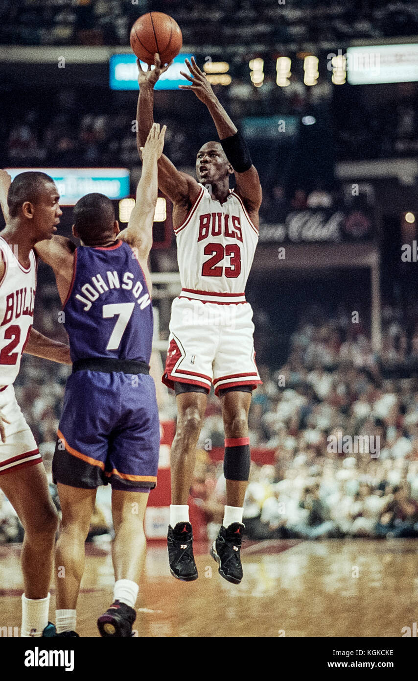 Michael Jordan competing for the NBA Chicago Bulls during the 1993 NBA Finals game 5. - Stock Image