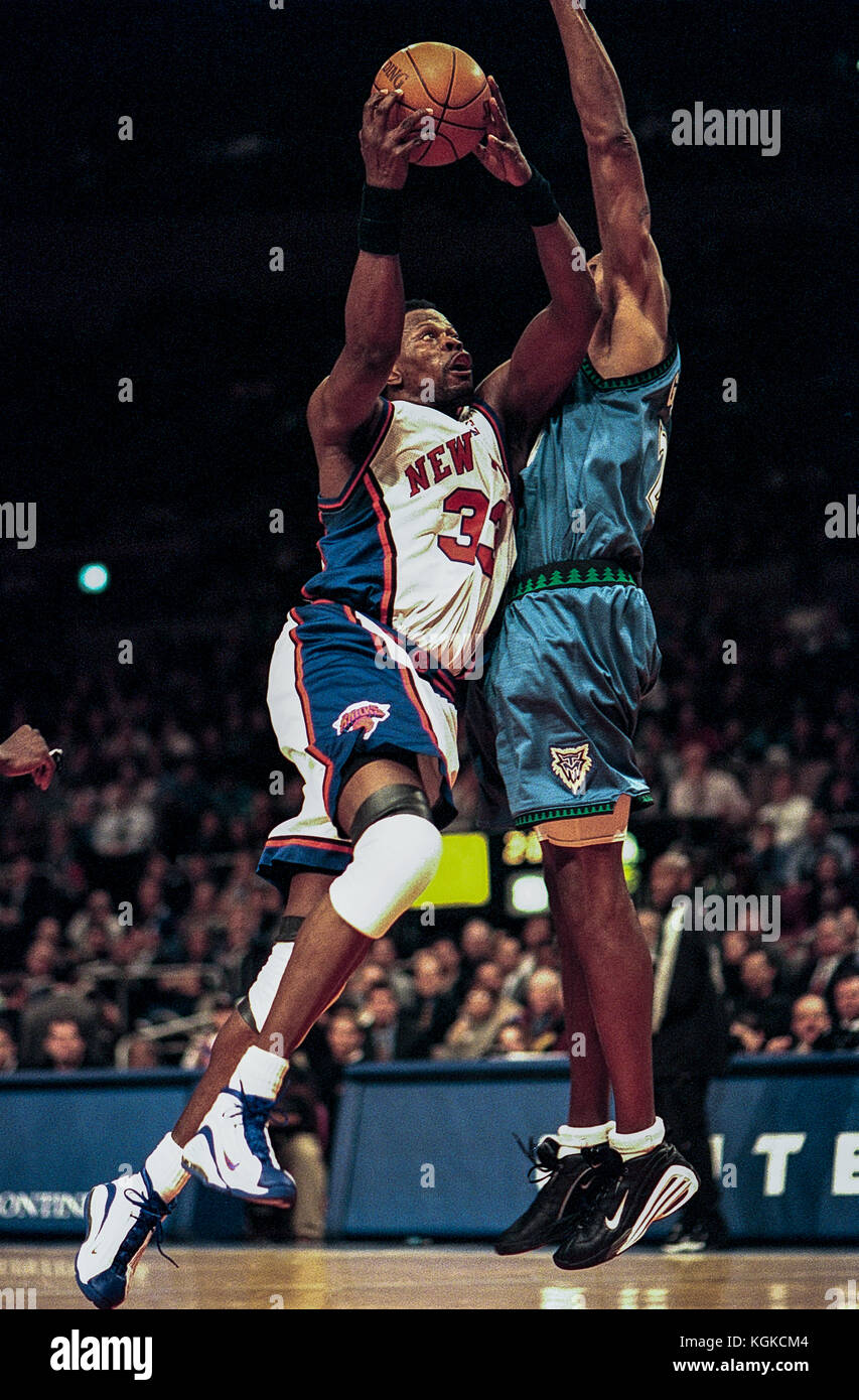 5fc8fa27b Patrick Ewing competing for the NBA New York Knicks - Stock Image