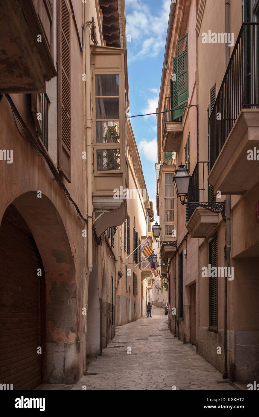 Charming narrow street in Palma de Mallorca - Stock Image