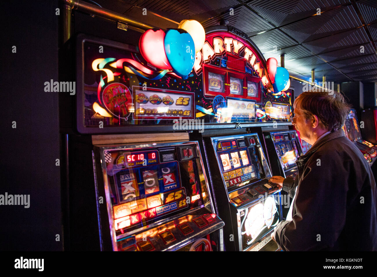 One Armed Bandit Fruit Machine High Resolution Stock Photography And Images Alamy
