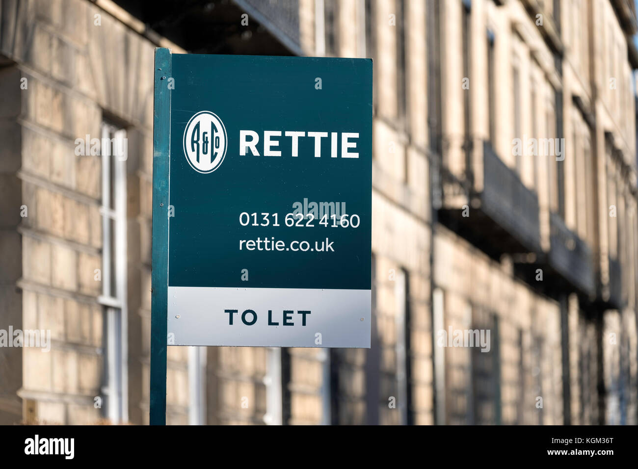 Sign board showing flat for rent in Edinburgh New Town , Scotland, united kingdom Stock Photo