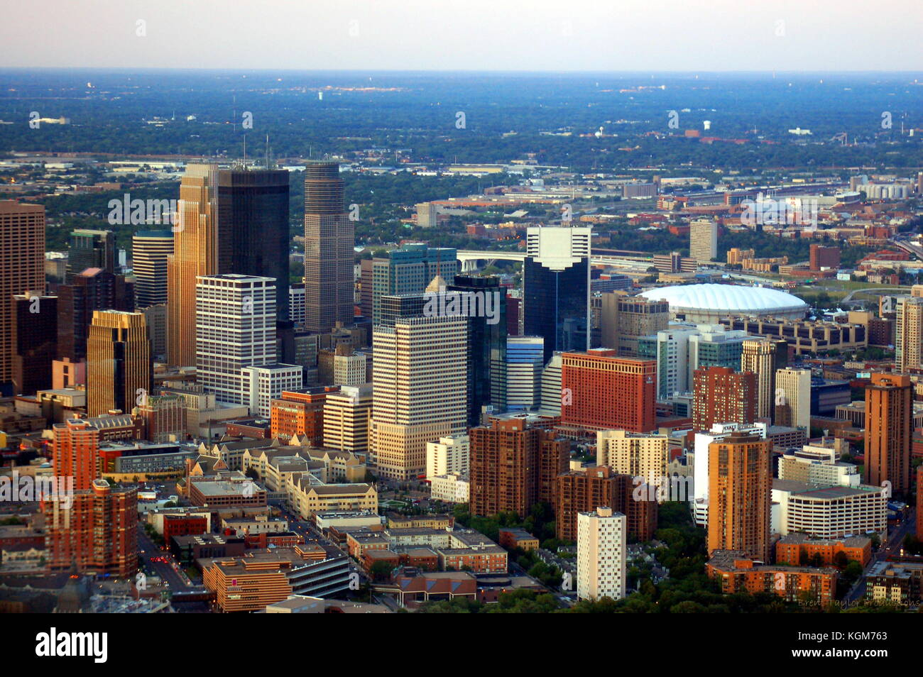 Aerial view of downtown Minneapolis, MN on a summer evening. - Stock Image