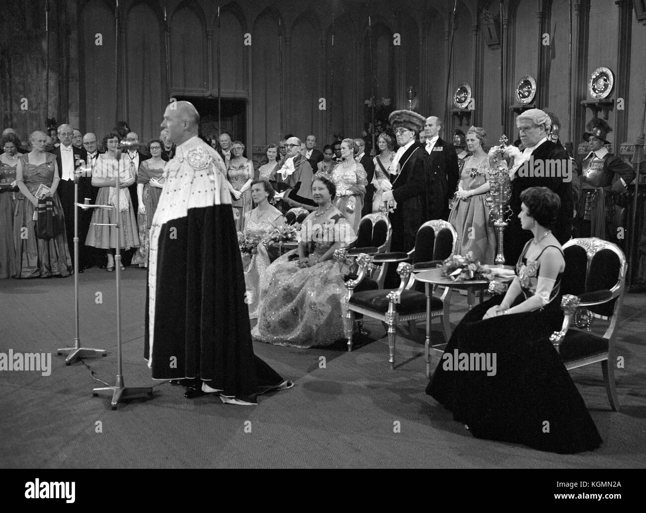 The Lord Mayor, Sir Denis Truscott, making his speech at the reception  in honour of the Queen Mother (seated) on - Stock Image