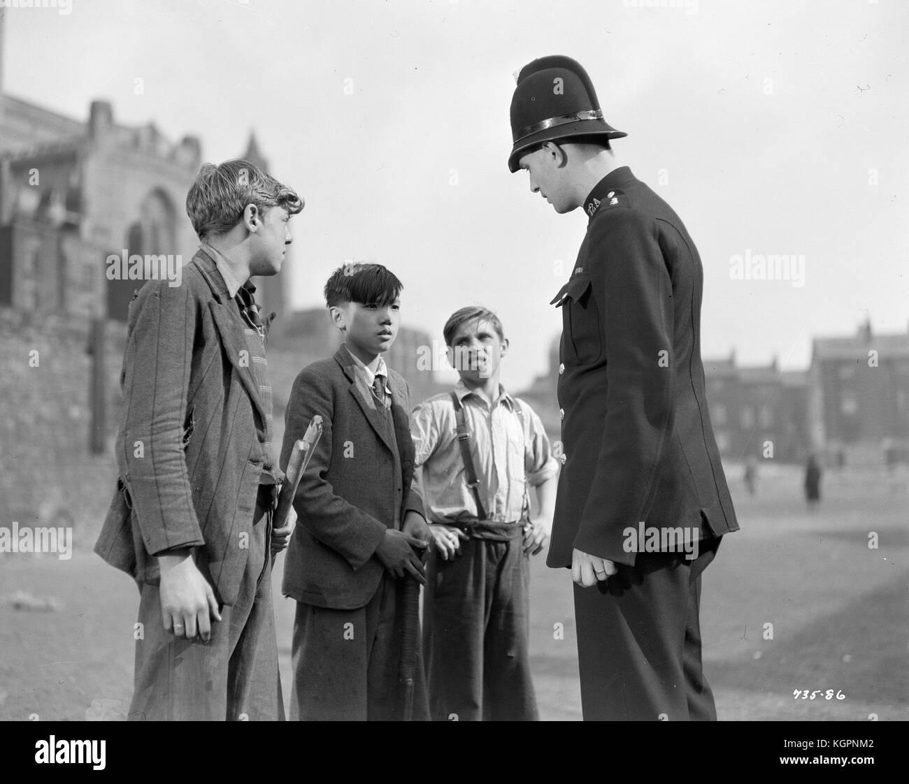The Magnet (1950)  , Anthony Oliver  , Geoffrey Yin  , Thomas Johnston  , Keith Robinson - Stock Image