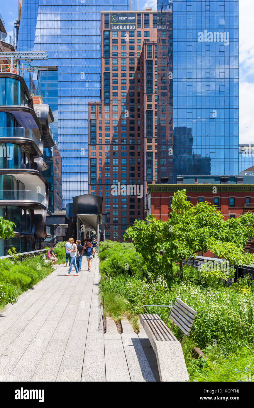 New York Usa New York The High Line New York Urban Park Formed From Stock Photo Alamy