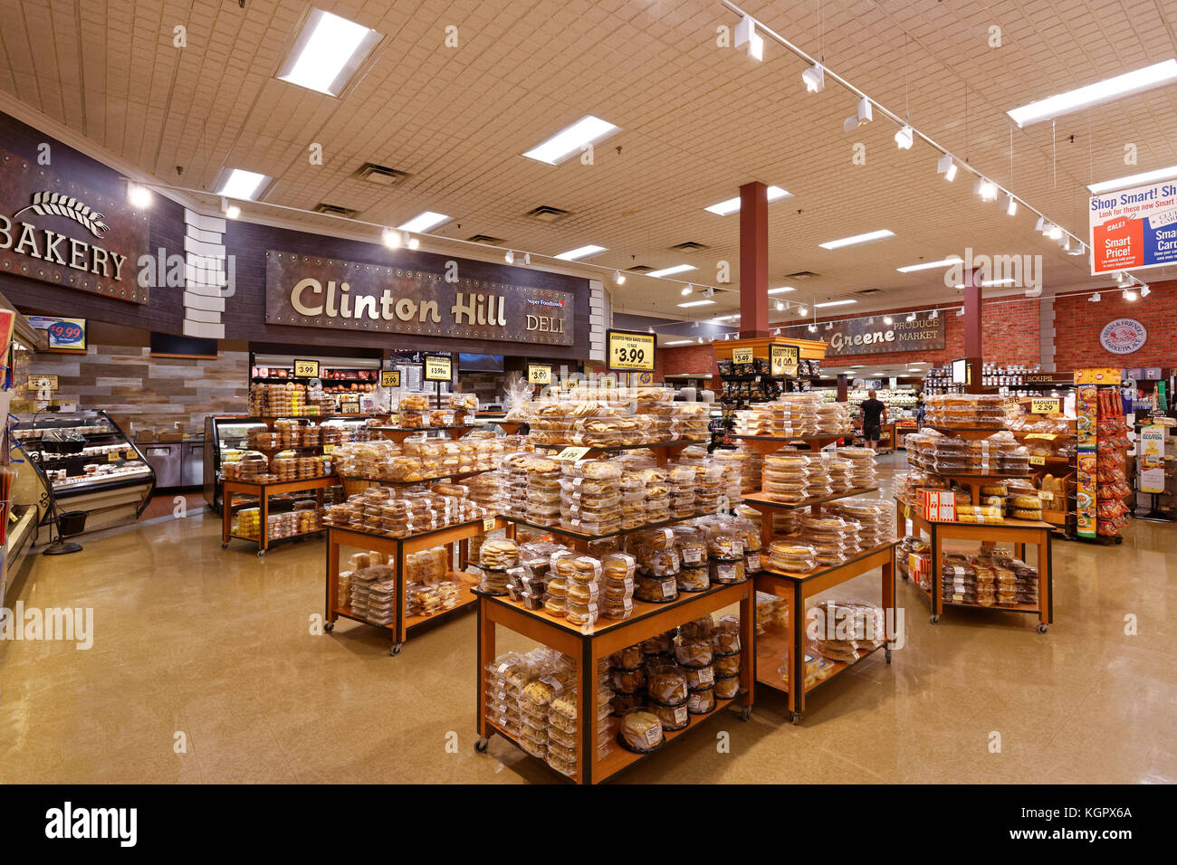 Grocery Store Bread Aisle Stock Photos & Grocery Store Bread