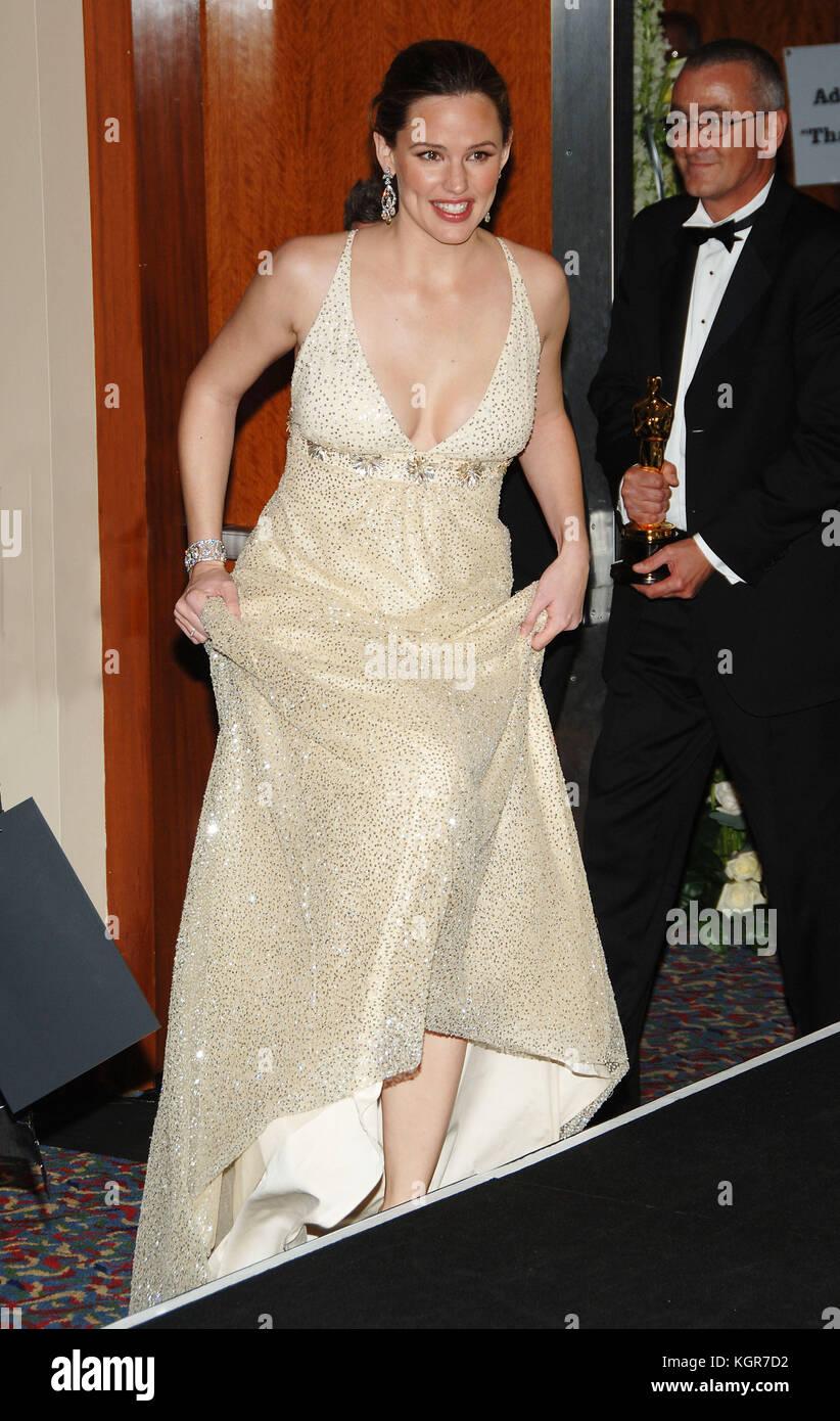 Jennifer Garner Backstage At The 78th Academy Of Motion Pictures Oscars Kodak Theatre In Los Angeles March 5 2006GarnerJennifer245 Fashion