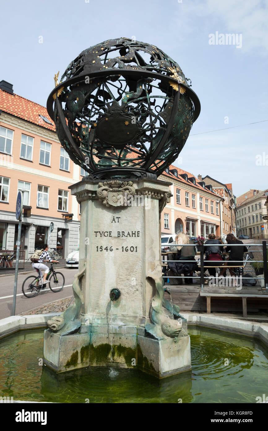 Tycho Brahe fountain on Nedre Langvinkelsgatan, Helsingborg, Scania, Sweden, Europe - Stock Image