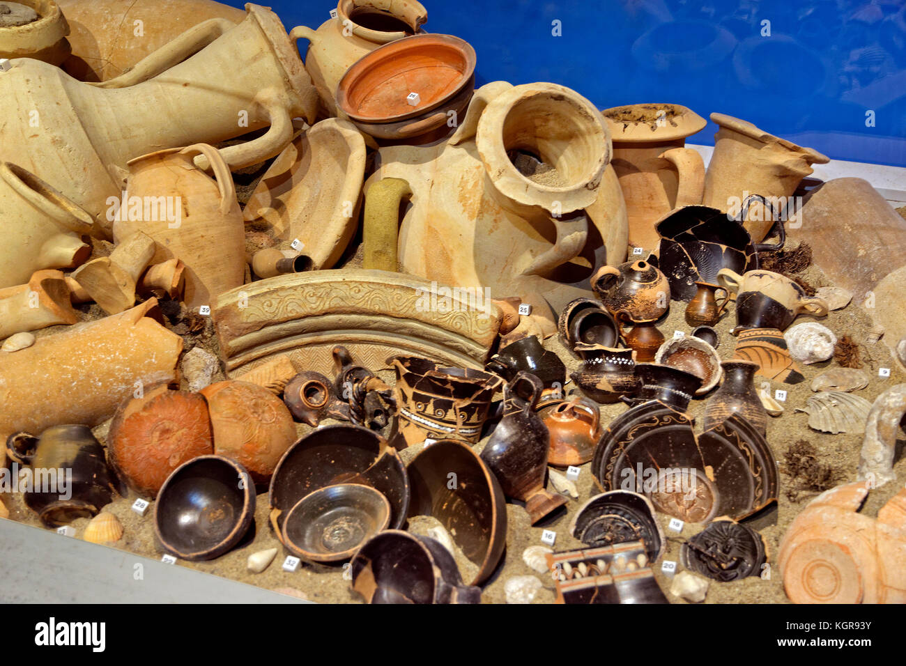Recovered ceramic artefacts displayed in the Pompeii museum at Pompei Scavi near Naples, Campania, Italy. - Stock Image