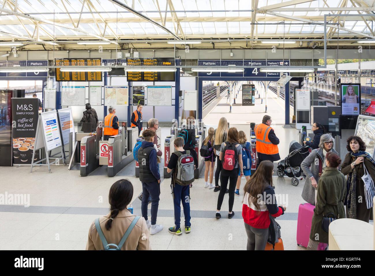 Entrance gates to Richmond Underground Station, Richmond, London Borough of Richmond upon Thames, Greater London, - Stock Image