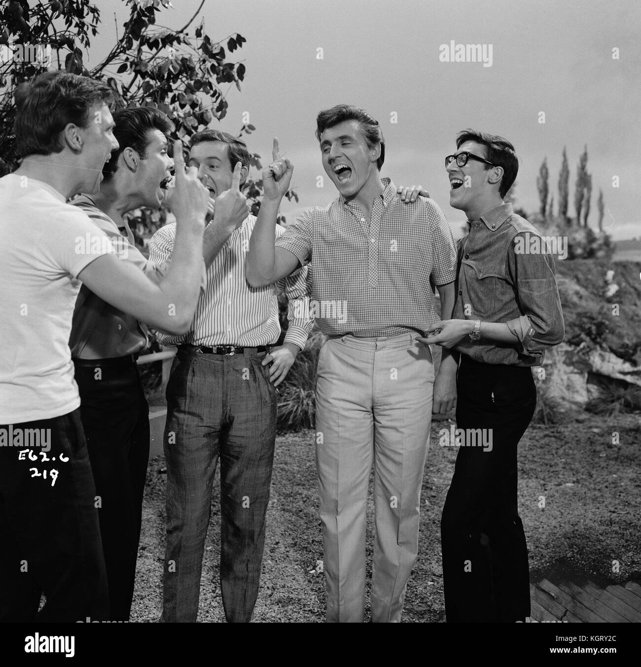 Bruce Welch: Cliff Richard And The Shadows Stock Photos & Cliff Richard
